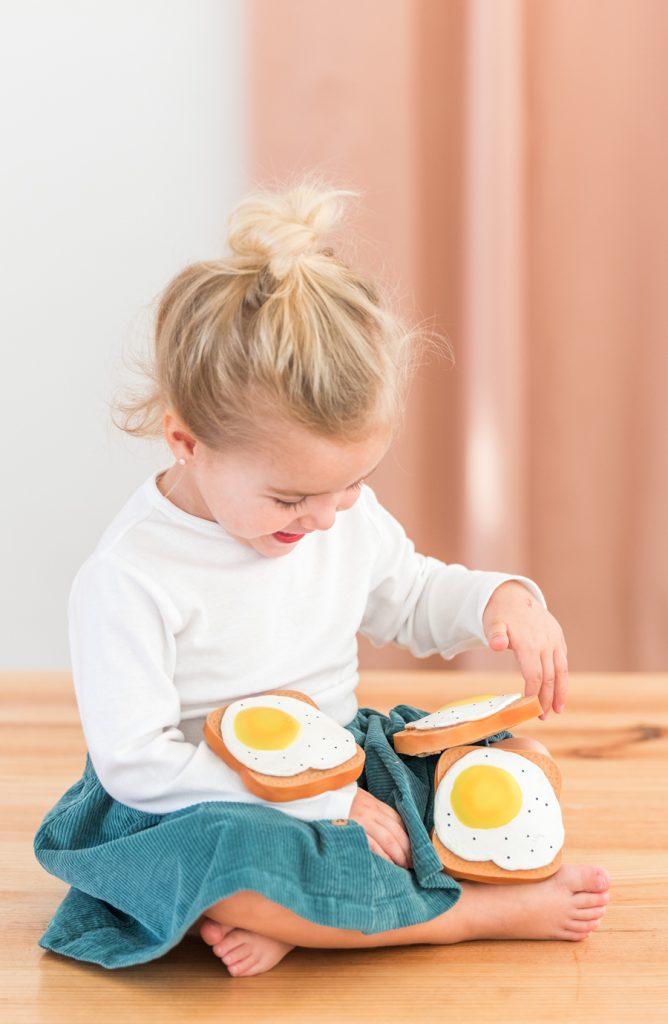Lolaletost-theeter-egg-668x1024-1.jpg
